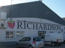 richardson six fours 83140 six fours les plages pubeco. Black Bedroom Furniture Sets. Home Design Ideas
