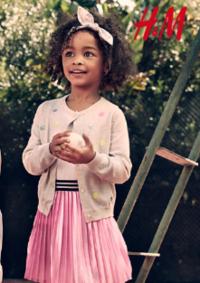 Catalogues et collections H&M Issy Les Moulineaux : Lookbook enfant L'été en plein air