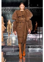 Catalogues et collections Burberry : Collection AutomneHiver 2020-21 Femme